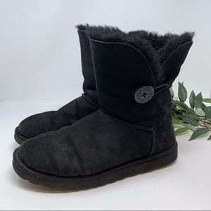 UGG Shoes - UGG Bailey Button II Short Black Boot 9